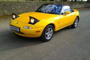 MAZDA EUNOS/MX5 1994 LIMITED EDITION RARE 1.8 AUTOMATIC IN STUNNING YELLOW