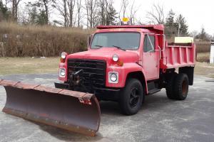 1986 International Harvestor Dump Truck w/ plow, very low mileage