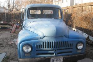 1951 Intermational pickup L220