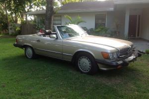 1987 Mercedes 560SL convertible in Florida NO RESERVE !