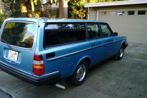 Volvo 240 DL Wagon - well-preserved, great for the Volvo enthusiast