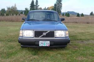 Volvo 240 sedan 1989 low miles automatic blue