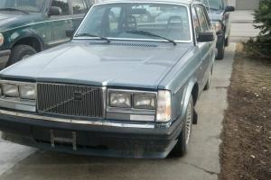 1985 VOLVO 4D SEDAN GL, NO RESERVE,NADA=$3975.00,RUNS GOOD,SOLID