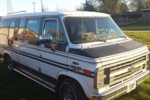 Chevrolet G20 Day Van Photo