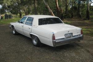 1977 Cadillac DE Ville Sedan