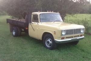 1973 international 1310 flat bed truck
