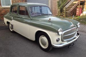 1955 HILLMAN MINX MK8 ** FULLY RESTORED. AN ABSOLUTE GEM ** ORIGINAL REG NUMBER. Photo