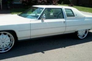 1976 Cadillac DeVille Base Coupe 2-Door 8.2L