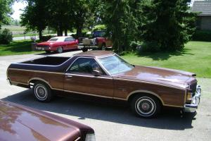 Ford : Ranchero Squire Brougham