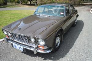 Jaguar XJ6 in Bundanoon, NSW