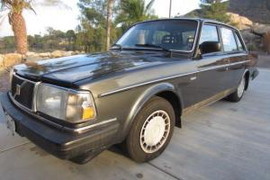 1989 Volvo 240 DL sedan - CLEAN - ORIGINAL - New Tires - DEALER SERVICED