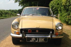 mgb gt 1972 ready to show