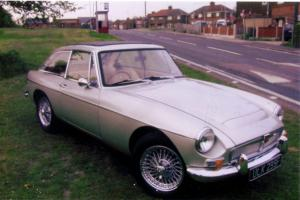 MGC GT, 1968, Champagne Gold