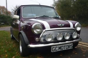 Rover Mini Cooper in Morello and Old English White