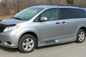 Toyota : Sienna handicap wheelchair van