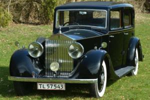 1932 Barker 20/25 Sunshine Saloon Owner driver.