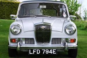OUTSTANDING MINI BASED WOLSELEY HORNET MK II JUST 29,000 GENUINE MILES FROM NEW Photo