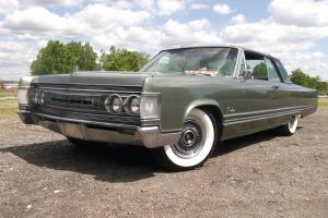 1967 CHRYSLER CROWN IMPERIAL 2 DR COUPE, ABSOLUTELY GORGEOUS AND VERY VERY BIG!!
