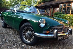 MGB Roadster 1973 British Racing Green with wire wheels - lovely condition