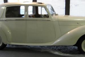 Vintage Bentley Saloon 1950