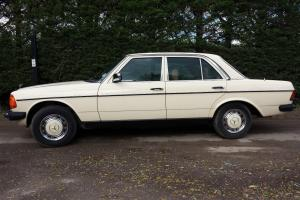 1986 Mercedes Benz 230E W123 saloon 5 speed automatic petrol, low mileage