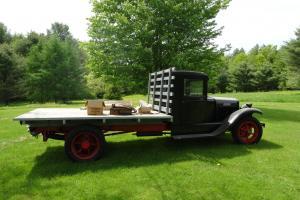 1931 International Harvester truck Photo