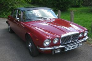 1977 DAIMLER 5.3 DOUBLE SIX AUTO RED