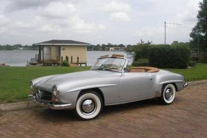 1962 MERCEDES 190SL RESTORED EXCELLENT CONDITION, GREAT DRIVER FL RUST FREE CAR!