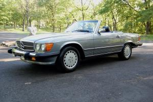 Original , 2 Owner,Low Mileage 1987 Mercedes-Benz 560 SL, 2 top Roadstaer, Clean