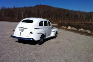 1947 Ford Super Deluxe Suicide 4 door Photo