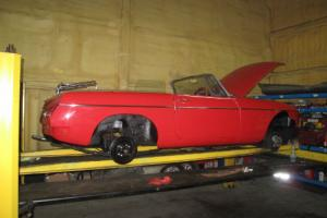 1977 R - MG B Roadster - Flame Red