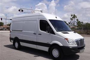 """Freightliner Sprinter 2500 CRD 144"""" Turbo Diesel Hi Top Custom Racks Florida Van"""
