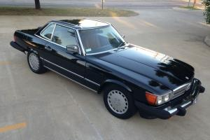 1988 Mercedes Benz 560SL Black/Tan Beautiful Condtion! Hard to Find Like this