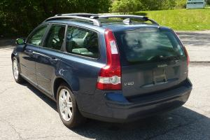 SALVAGE REBUILDABLE REPAIRABLE ~ 2.4L ~ WAGON Photo