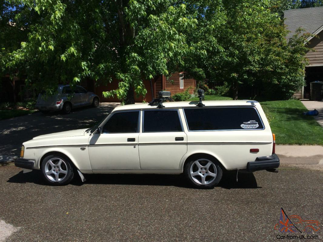 1979 Volvo 245 Dl Wagon Rwd Manual With Summer And Winter Wheels And Tires