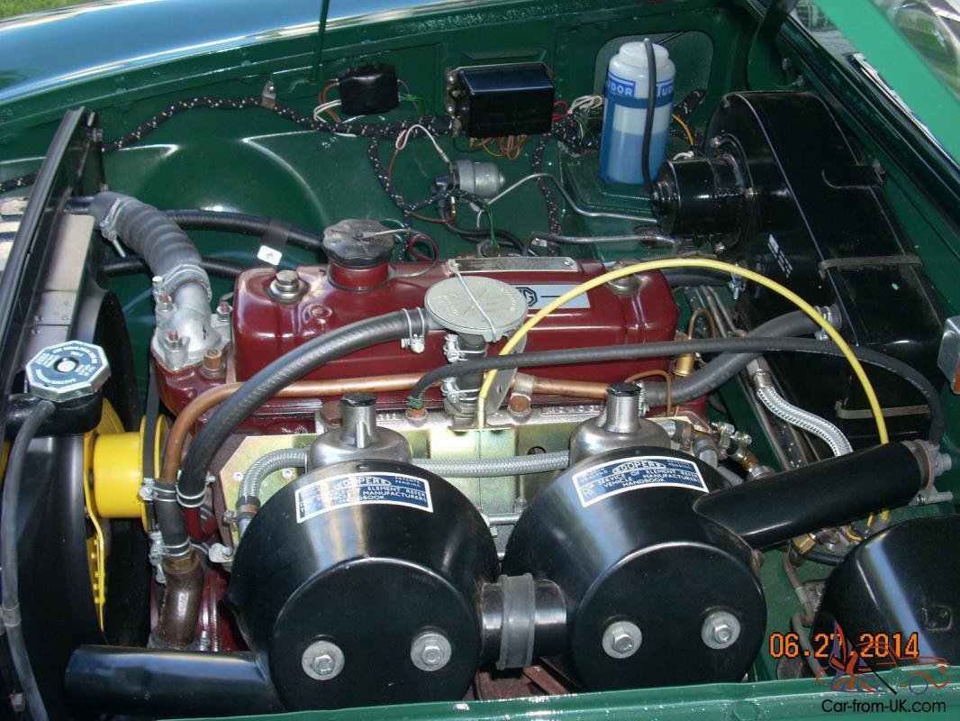 1967 MGB, BRITISH RACING GREEN, OVERDIRVE,CHROME WHEELS