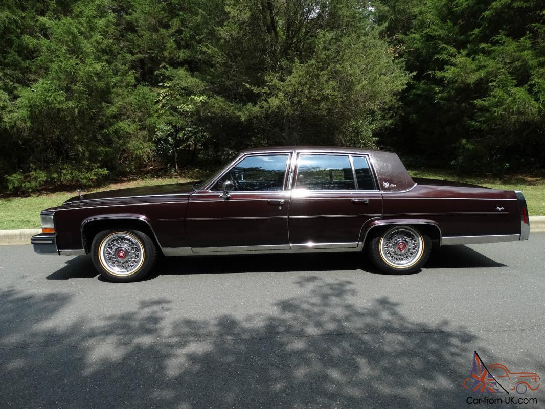 Cadillac Fleetwood Brougham D Elegance Sedan