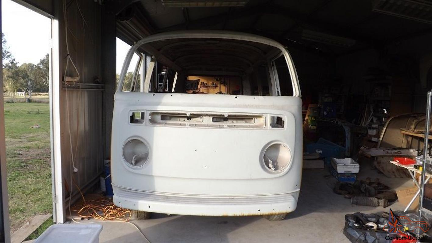 VW Kombi Deluxe Microbus Rust Free Blasted Rolling Bodyshell 1977  Volkswagen in Boronia Heights, QLD