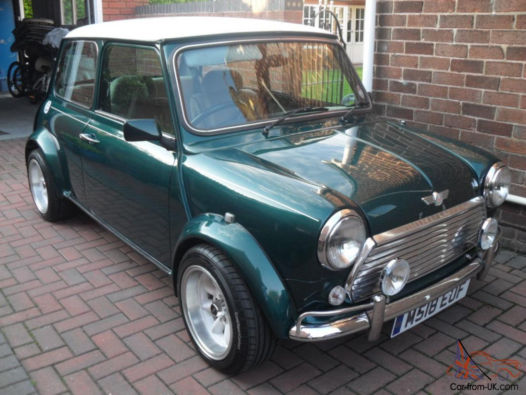 CLASSIC MINI BRITISH RACING GREEN JOHN COOPER LOOKALIKE