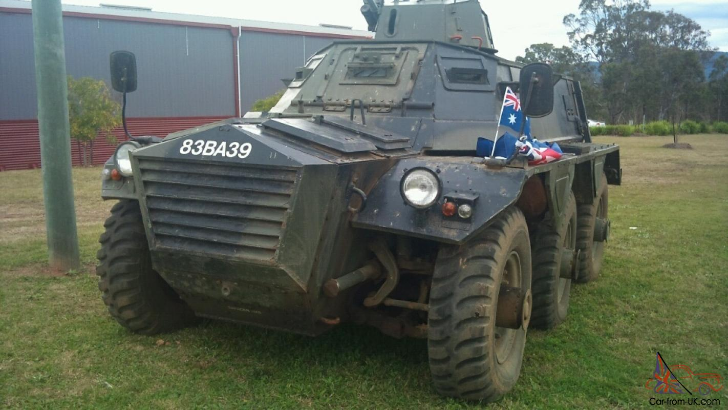 Military Tank Mark 5 Saracen 8 Seater Armoured Personnel Carrier FOR Sale