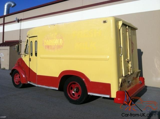 1967 Divco milk truck ice cream truck icecream food truck