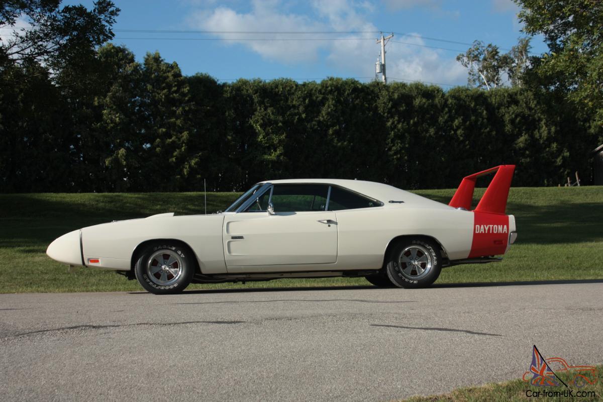 1969 Dodge Charger Daytona 426 Hemi 4 Speed Dana60 Rotisserie