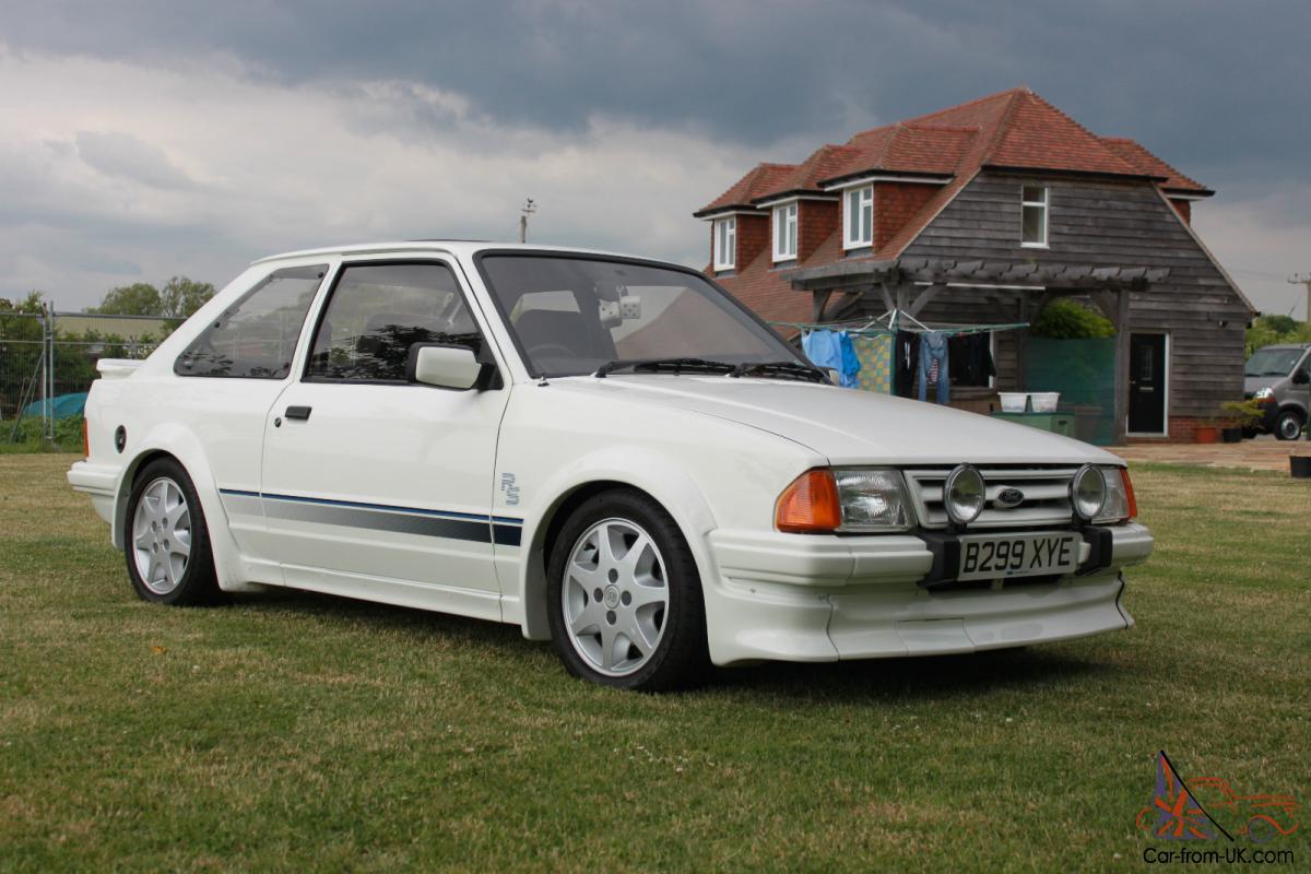 ford escort rs turbo  custom  miles white lightning