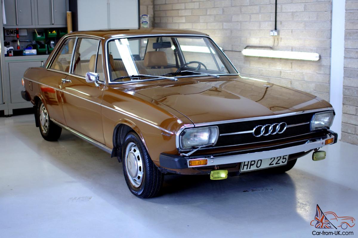 1973 Audi Car Line Sales Brochure Folder 100 100GL 100LS