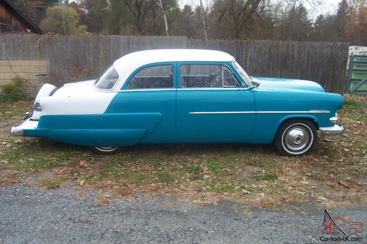 1953 Ford 2 Door With Chevy Motor