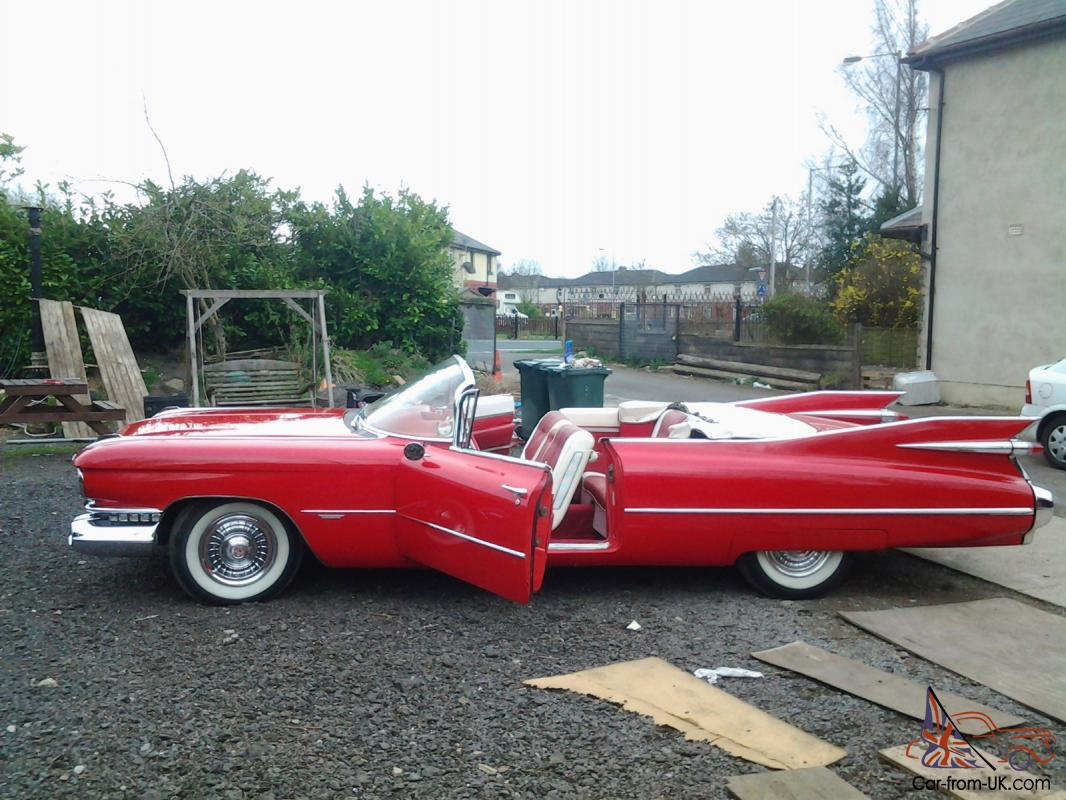 1959 CADILLAC RED
