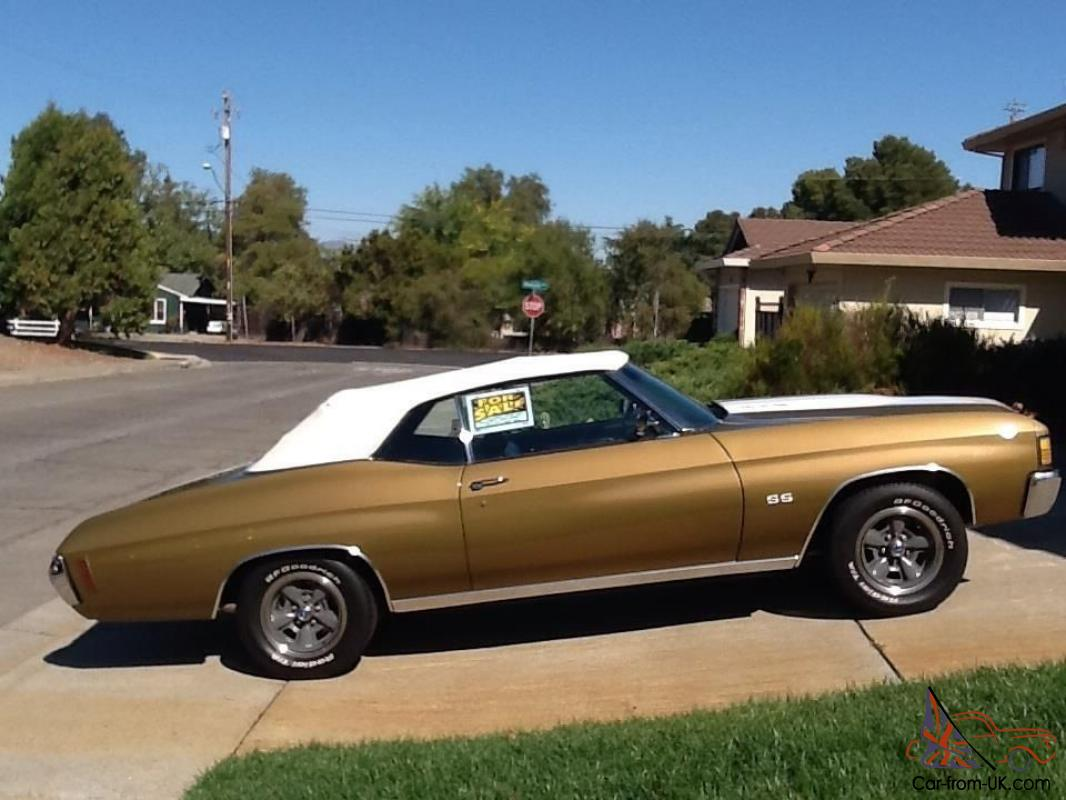1972 Chevrolet Chevelle Malibu SS Convertible, Gold w/ White Racing Stripes