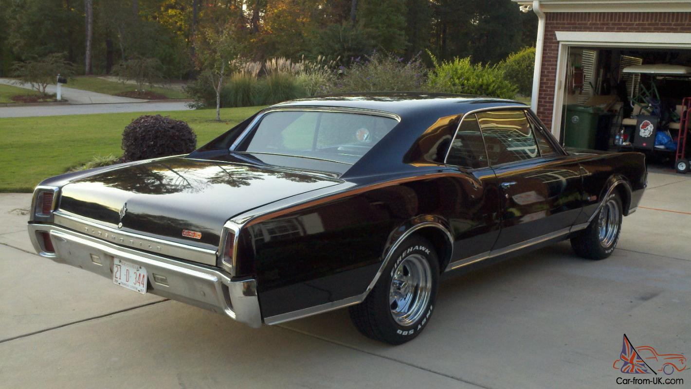 1967 Oldsmobile Cutlass 442 Classic American Muscle Car