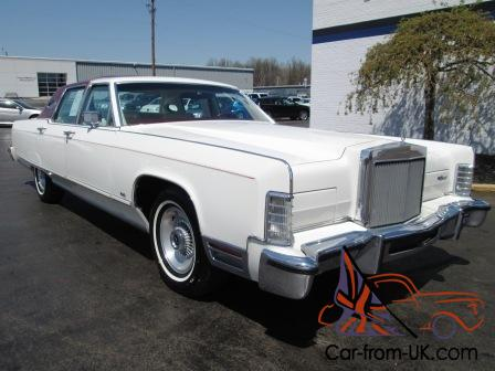 1977 LINCOLN CONTINENTAL TOWN CAR 4DR ONLY 30130 ORIGINAL MILES ONE OWNER!!!