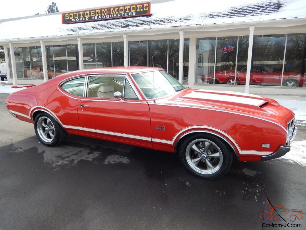 Oldsmobile : 442 Buckets with Console